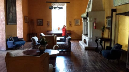 Hacienda Pinsaqui: Public room