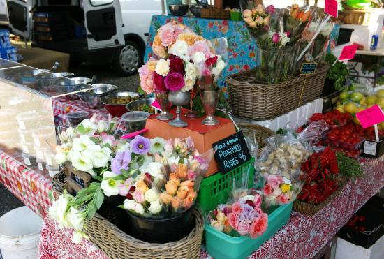 Noosa Farmers Market: Fresh flowers