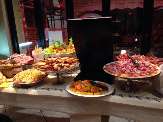 zamboni 3 pizza fritti une ide du buffet de laperitivo bolognais - Idee De Buffet