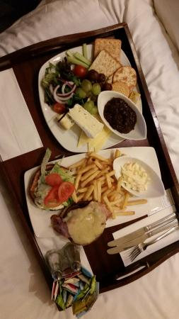 Holiday Inn Norwich: room service