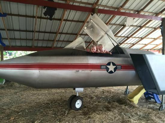 Boyett's Grove : Plane in the play area