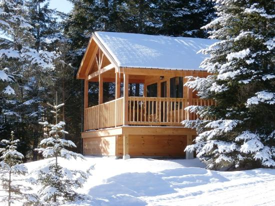 Bear tree cabins 2018 prices reviews pittsburg nh for Cabin camping new hampshire