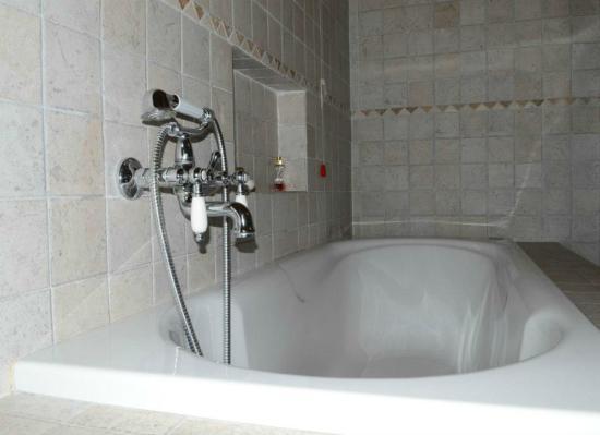 Vasca Da Bagno White : Vasca da bagno cm bianca forma ovale mastelladesign
