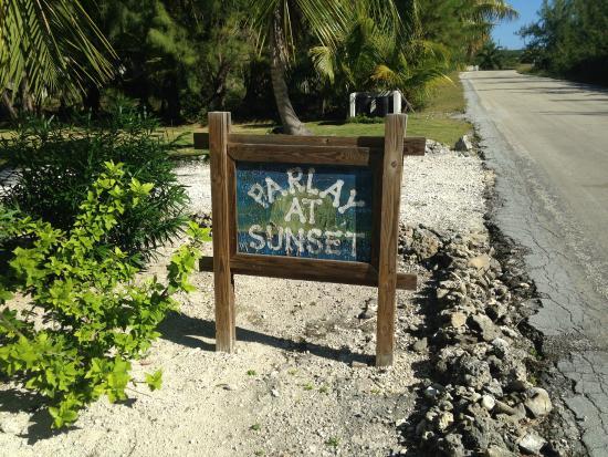 Tarpum Bay, Eleuthera: Sign on Queens Highway