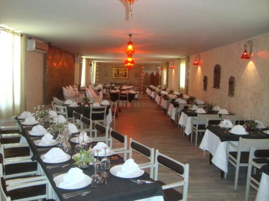 Restaurant la carte avec animation picture of corniche for Hotel avec restaurant