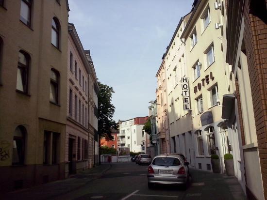 Hotel Deutsches Haus: Pemandangan di luar hotel