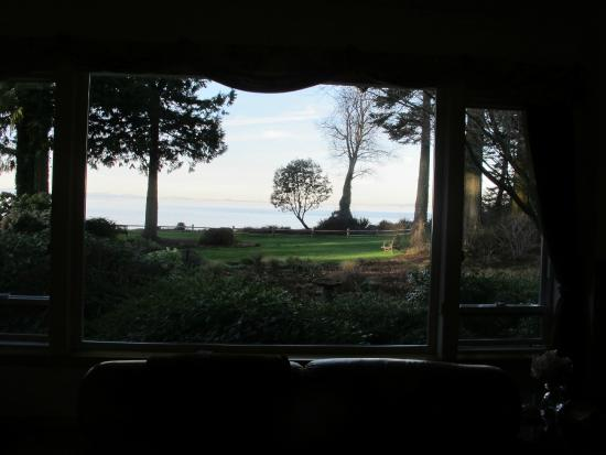 Colette's Bed and Breakfast Inn: View looking at water from room