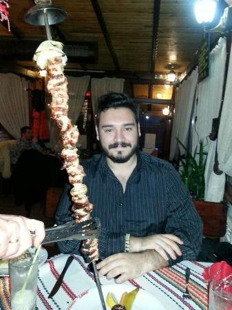 """Dayana Restaurant 1 : El menda con el """"espetacular"""" plato de carne"""