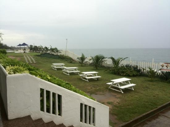 Peacock Beach Hotel: view from the restaurent
