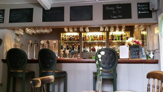 The White Hart Stow: The cozy main bar