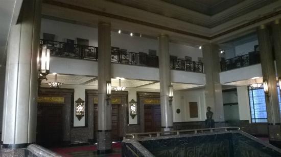 https://media-cdn.tripadvisor.com/media/photo-s/07/70/a9/99/hotel-de-ville-city-hall.jpg