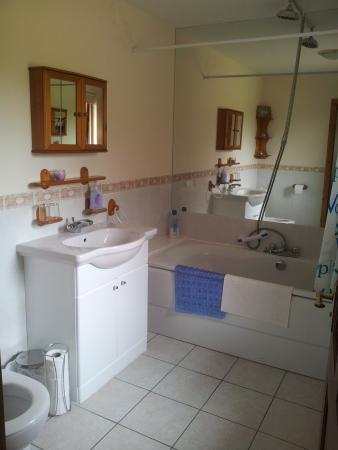 Birchwood Guest House: superior Double room bathroom
