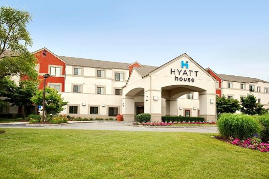 HYATT house Morristown: Exterior