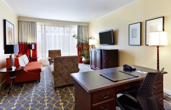 Living Room Atlanta : InterContinental Buckhead Atlanta Executive Suite Living ...
