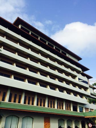 Green World Palace Hotel: ด้านหน้าโรงแรม