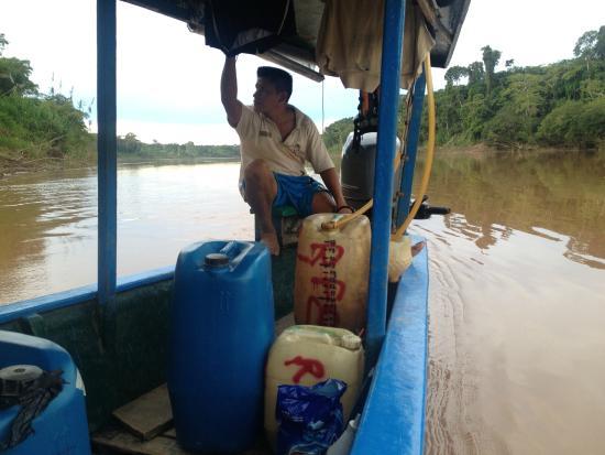 Refugio Amazonas: boat