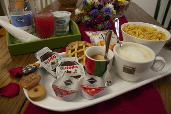Gentes B&B: colazione/breakfast