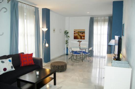San Marcos Apartamentos: salón comedor