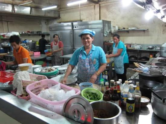Pla Thong Seafood Restaurant : Die Küche