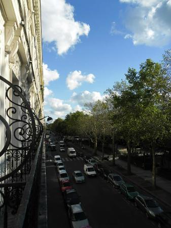 Auberge Jules Ferry: Boulevard Jules Ferry desde la ventana