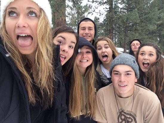 Golden Bear Cottages Resort: A few of our students being silly