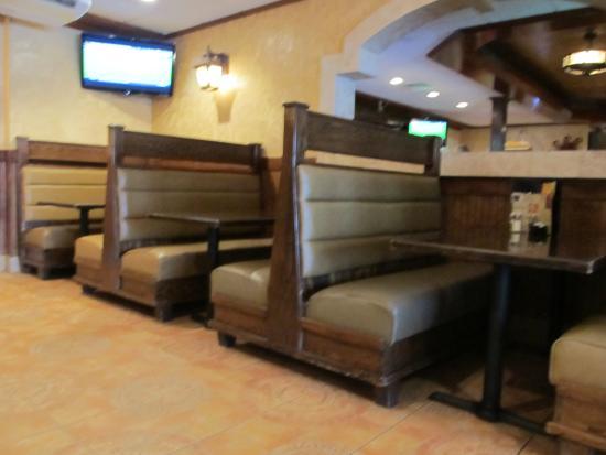 Plaza Azteca: Seating Area
