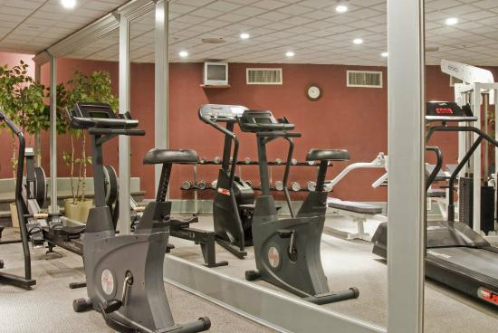 York Harbor, ME: Our fitness center includes co-ed sauna