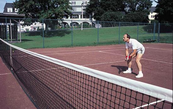 York Harbor, ME: We offer seasonal clay tennis courts as a guest amenity
