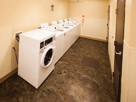 Value Place Allentown: Guest Laundry