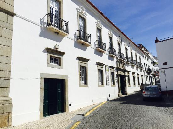 Palácio Visconde Olivã e Jardins / Lagar-Museu / Biblioteca Municipal de Campo Maior