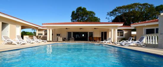 Residencial Casa Linda: 4 bedroom Villa