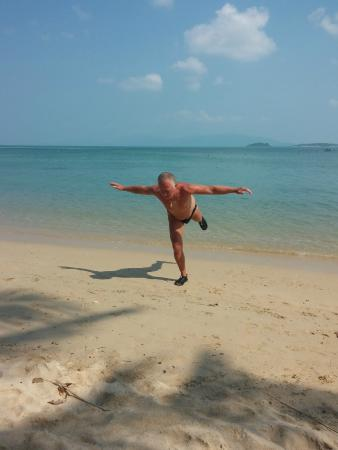 Ban Sabai Big Buddha Retreat & Spa: yoga on the beach