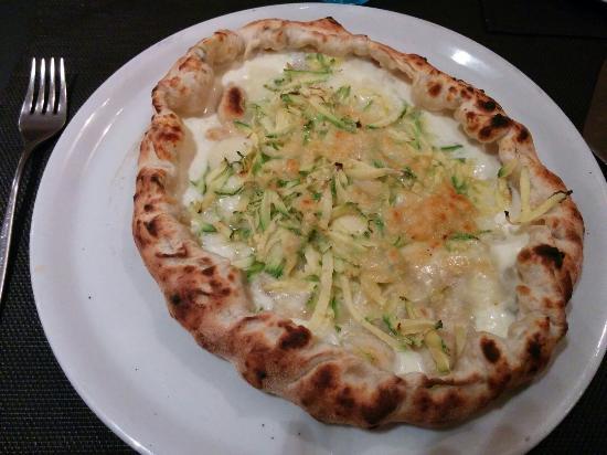 """Piano B Pizza & Steakhouse: Pizza """"la più buona""""... Buona veramente!!!!"""