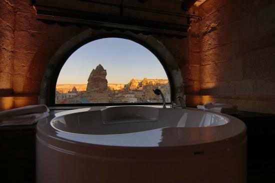 Erenbey Cave Hotel: luxury bath