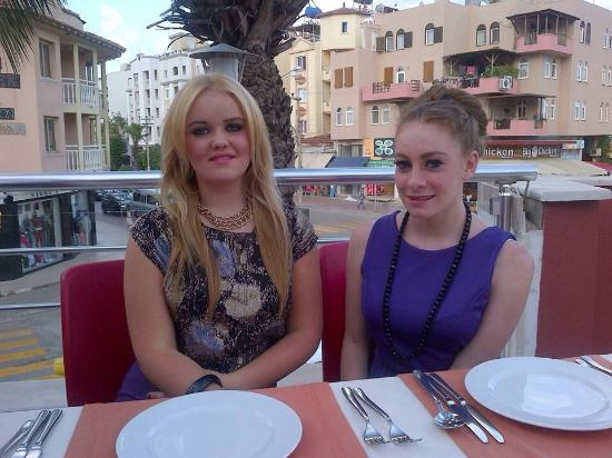 The Taj Mahal: This is by far the Best restaurant in marmaris !! Amazing food and very well done up, we visit h