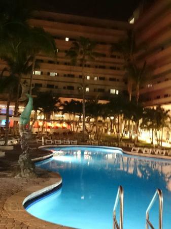 hermoso picture of hotel riu plaza miami beach miami. Black Bedroom Furniture Sets. Home Design Ideas