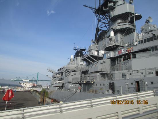 Long Beach Wwii Battleship Guns