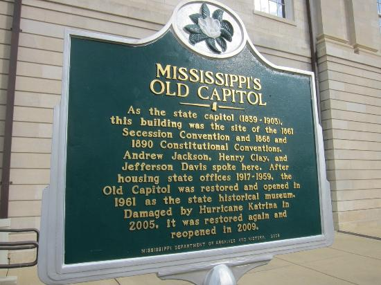 Old Capitol Museum : The sign out front