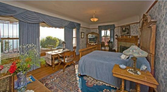 The Darling House: Darling House Bed & Breakfast