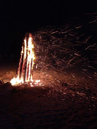 Taino by the Sea: Very windy Bonfire on the Beach