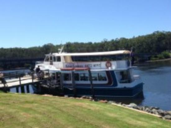 Bernys Clyde River Oyster Tours