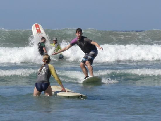 Del Soul Surf School : Standing up and enjoying the wave within the hour!
