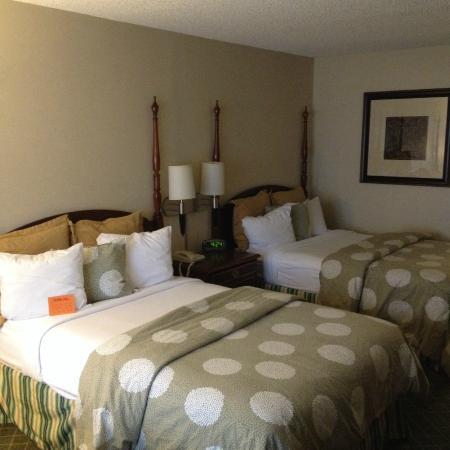 Chapel Hill University Inn: Two Double-Bed Room