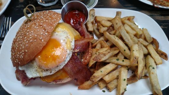 Hopscotch Tavern: The Brunch Burger