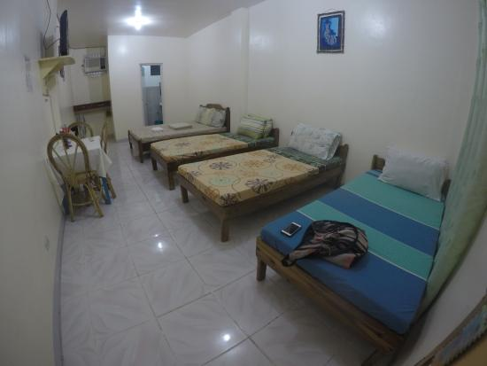 Centro Coron Bed and Breakfast: Family room