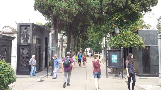 Buenos Aires Walking Tours: Recoleta Cemetery