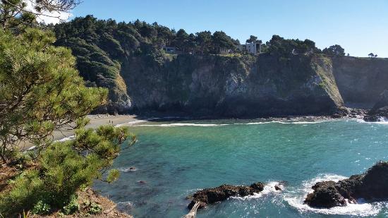 Heritage House Resort: Beach Access