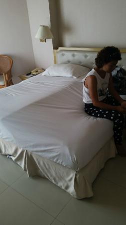 City Beach Resort: zeer slecht matras!!!!!