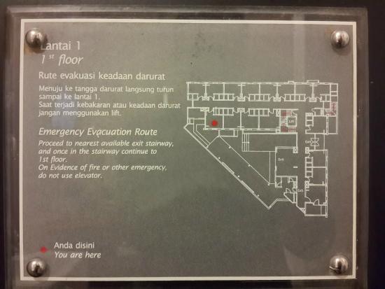 Amaris Hotel Cimanuk: Petunjuk emergency yang salah & dibuat asal