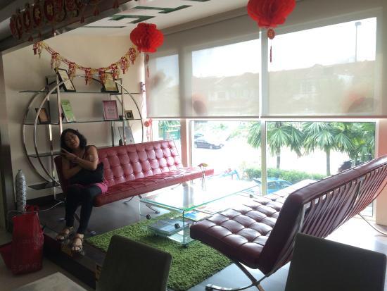 One Avenue Hotel: Lobby